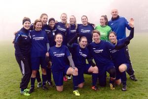 Fortunas zweite Damenmannschaft freut sich über den ersten Saisonsieg