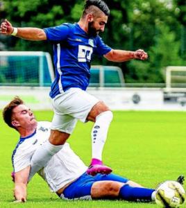 Hier grätscht Altenrheines Jannik. Mulski Fortunas Torjäger ab. In der 29. Minute aber traf Fabio da Costa Pereira zum 1:0.