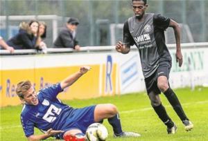 Vollen Einsatz, hier demonstriert von Johannes Brüggenbrock (li.), erwartet Fortuna-Coach Catanzaro auch gegen Gellendorf.