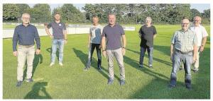 Der Fortuna-Vorstand erhielt Besuch von der UWE(v.l.): Kandidat Ulrich Ortmeier, Heiko Linnemann, Andreas Behrens, Stefan Schmiemann, Günter Lammert Frank Jürgens und Franz-Josef Greiwe